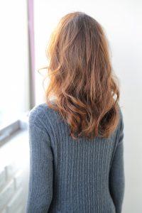 【HAPPINESS 河原町 世紀】髪型 大人かわいいミディアムラフウェーブ SK-133
