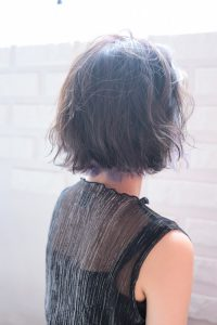 【HAPPINESS 河原町 世紀】髪型 モテ可愛いウェーブボブ グレージュxパープル SK-138