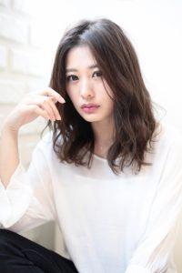 【HAPPINESS 河原町 世紀】髪型 前髪長めセンターパートニュアンスミディ SK-156