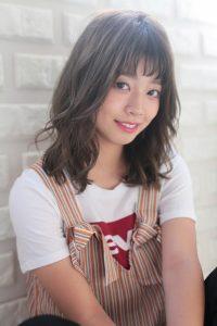 【HAPPINESS 河原町 世紀】髪型 モテ可愛いオン眉ミディ ミルクティーベージュ SK-147