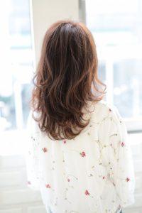 【afloat 世紀】髪型 ひし形 ラフカールミディ ラベンダーブラウン SK-121
