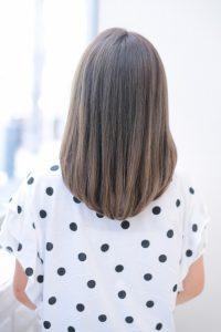 【HAPPINESS 河原町 世紀】髪型 モテ愛されワンカールミディ 透明感グレージュ SK-137